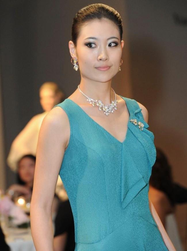 WTFSG-van-cleef-arpels-unveils-ballerina-clips-at-st-regis-singapore-9
