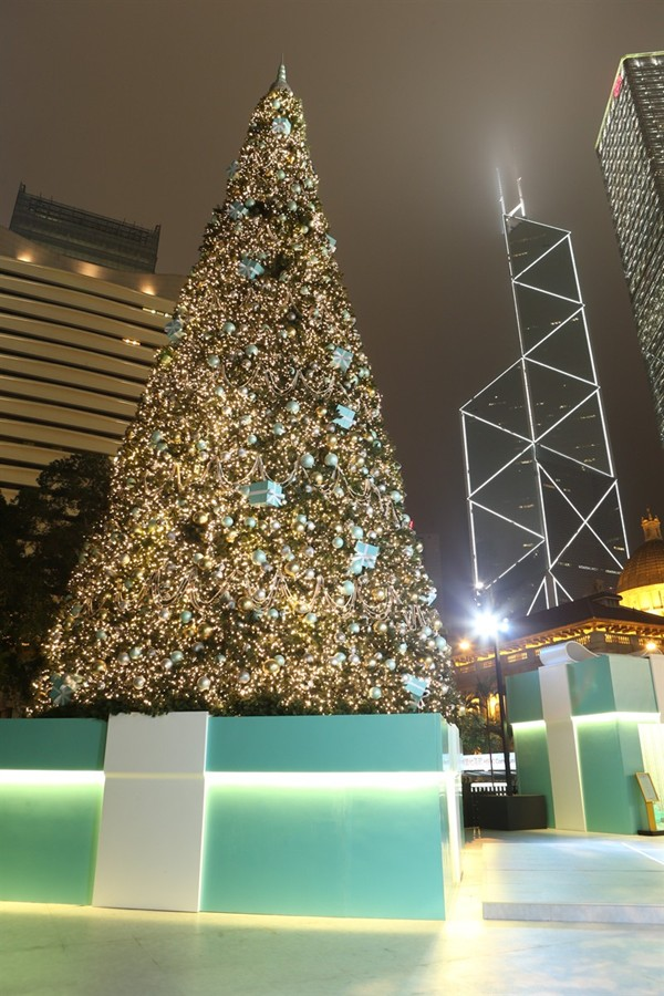 WTFSG_brilliant-tiffany-winter-holiday-hong-kong_Christmas-Tree