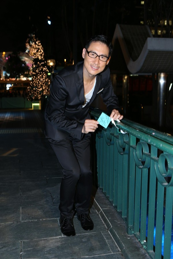 WTFSG_brilliant-tiffany-winter-holiday-hong-kong_Jacky-Cheung_wish-card