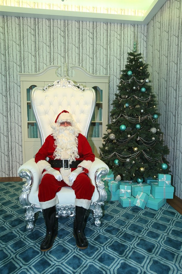 WTFSG_brilliant-tiffany-winter-holiday-hong-kong_Santa-Claus