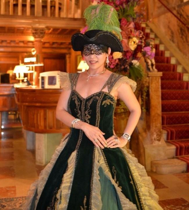 WTFSG_damiani-carnevale-di-venice-costume-ball_Fanty-Soenardy