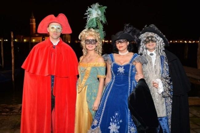 WTFSG_damiani-carnevale-di-venice-costume-ball_Willem-Karel-Plet_Julia-Gunkel_Farida-Gunkel_Matthias-Gunkel