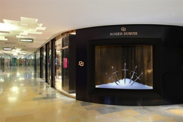 WTFSG_roger-dubuis-re-opens-pacific-place-hk_2