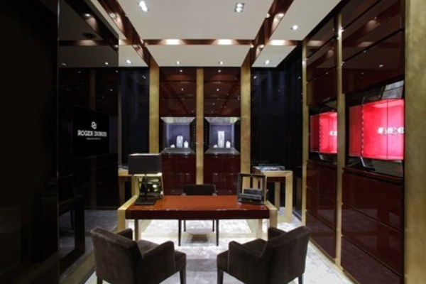 WTFSG_roger-dubuis-re-opens-pacific-place-hk_3