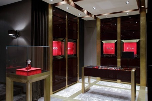 WTFSG_roger-dubuis-re-opens-pacific-place-hk_5
