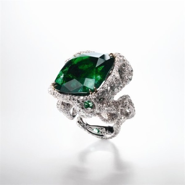 WTFSG_taiwanese-jeweler-cindy-chao-first-exhibition-beijing_Emerald-City-Ring