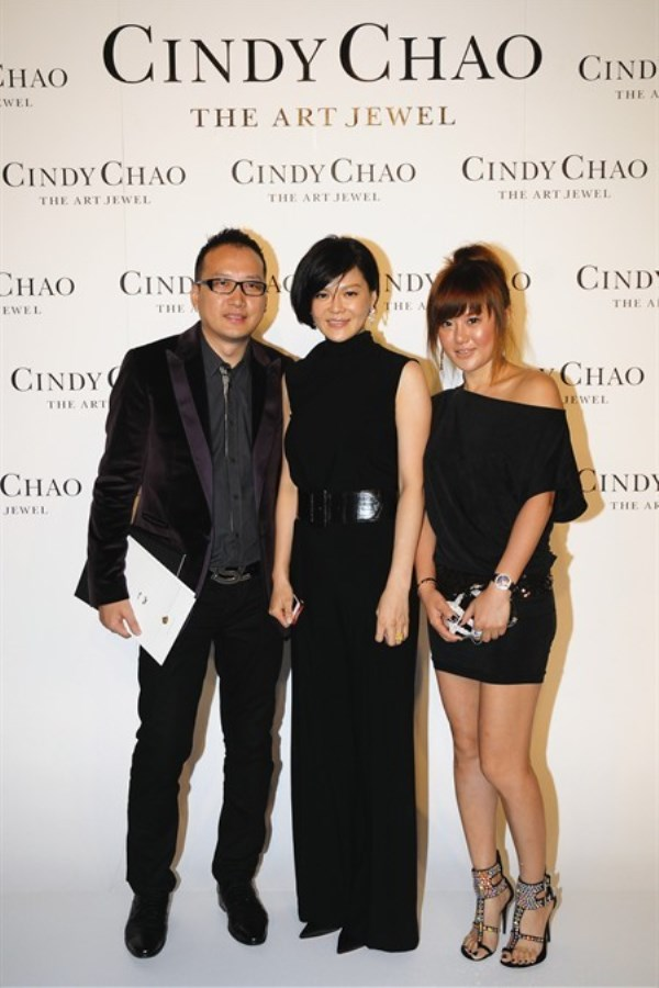 WTFSG_taiwanese-jeweler-cindy-chao-first-exhibition-beijing_Pierre-Wan_Lucy-Liu