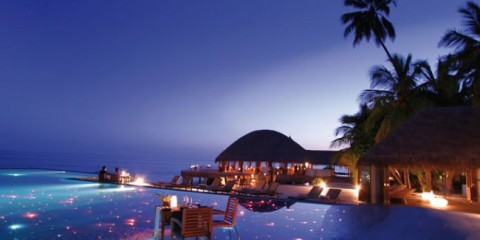 WTFSG_top-10-hotel-pools-in-the-world_huvafen-fushi-resort_maldives
