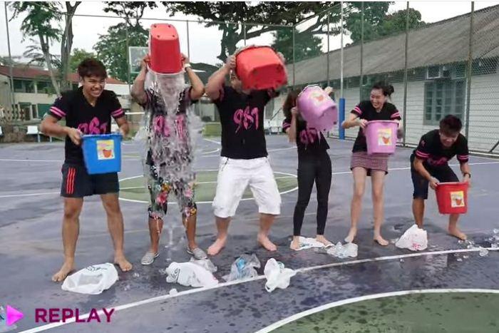 WTFSG_viral-ice-bucket-challenge-singapore_987fm