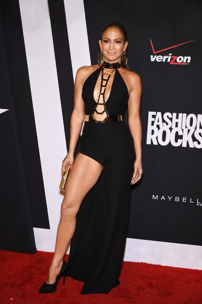 WTFSG-fashion-rocks-2014-red-carpet-jennifer-lopez-atelier-versace