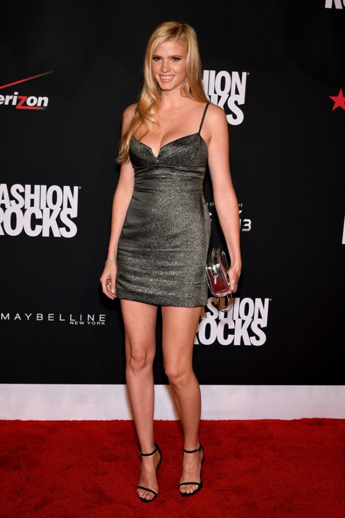 WTFSG-fashion-rocks-2014-red-carpet-lara-stone-silver-calvin-klein