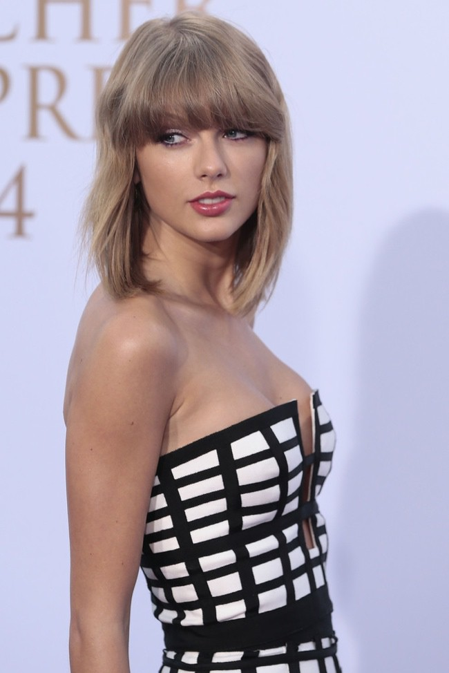 WTFSG-taylor-swift-caged-sass-bide-look-1