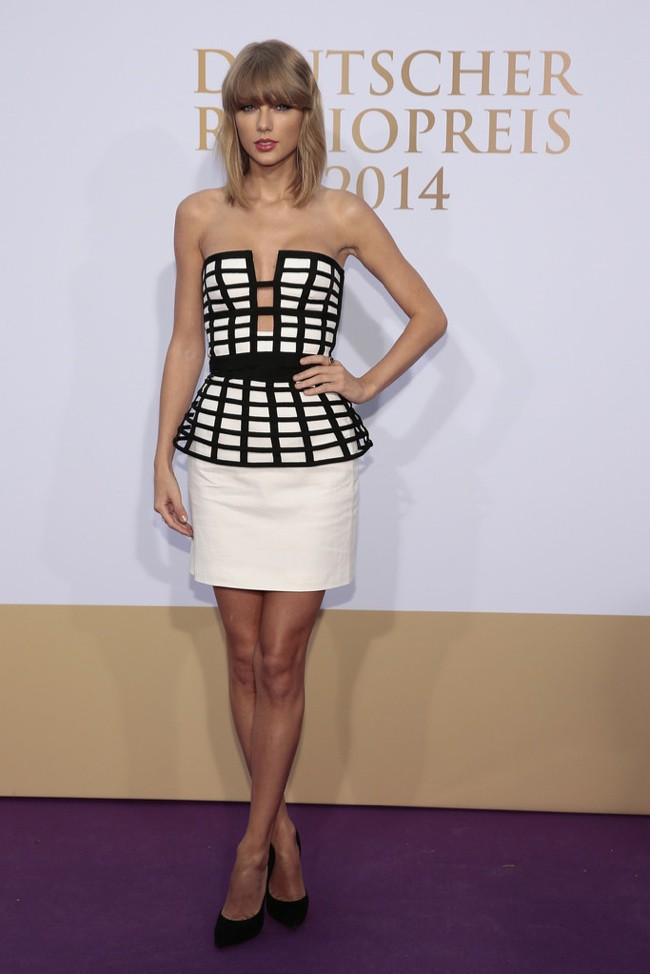 WTFSG-taylor-swift-caged-sass-bide-look-2
