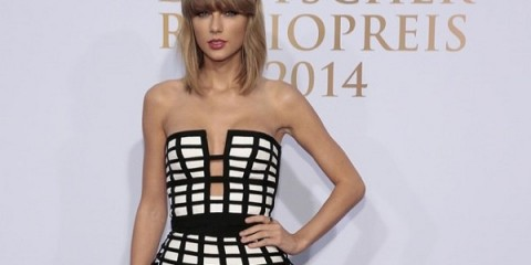 WTFSG-taylor-swift-caged-sass-bide-look-feat