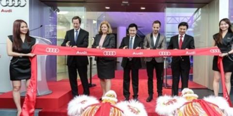 WTFSG_audi-centre-singapore-opening-bash_Axel-Strotbek_Angelika-Viets_Hadi-Widjaja-Tanaga_James-Morrison_Chia-Shi-Lu