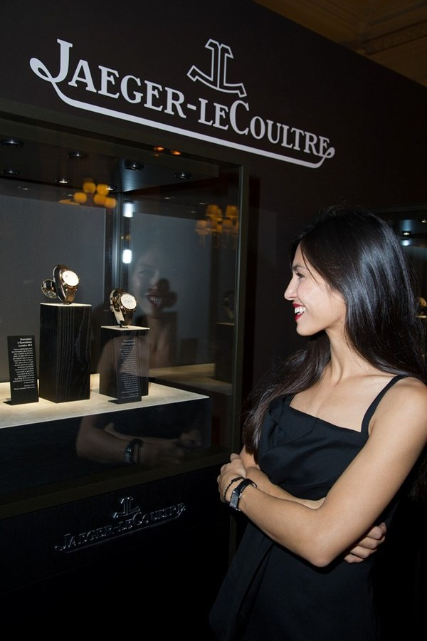 WTFSG_jaeger-lecoultre-reveals-place-vendome-flagship_Elodie-Yung-display