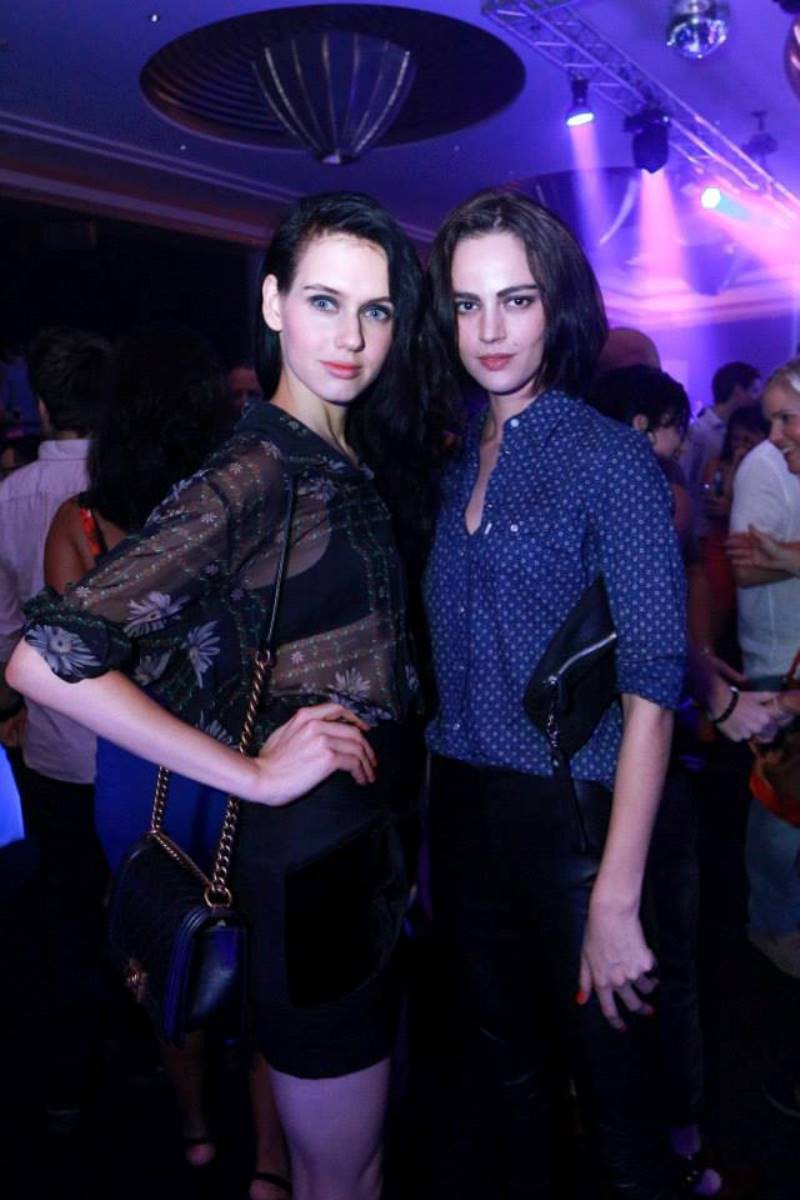 WTFSG_podium-lounge-f1-party-2014-ritz-carlton_guest-models