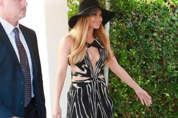 WTFSG-jennifer-lopez-roberto-cavalli-maxi-dress-feat