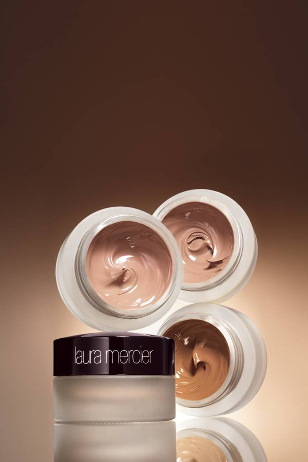 WTFSG_Laura-Mercier-Creme-Smooth-Foundation
