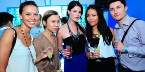 WTFSG_bombay-sapphire-toasts-art-at-singapore-blue-room_grace-clapham_zin-cattell_susan-tucker_sarah-tran_gareth-wilce