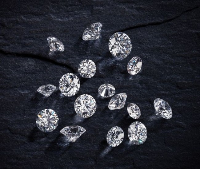 WTFSG_bonhams-hk-to-auction-a-flawless-collection-of-hearts-and-arrows-diamonds