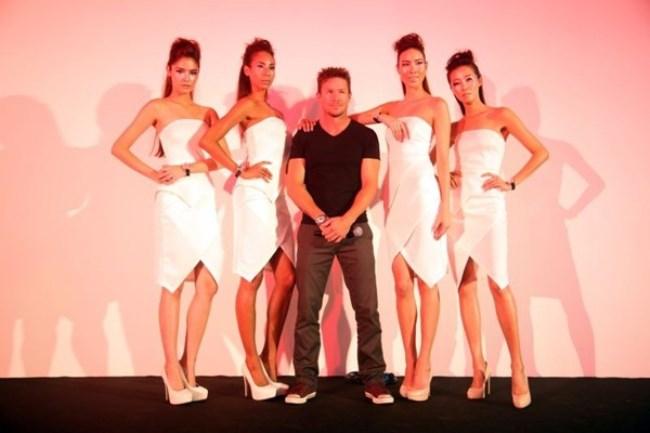 WTFSG_felix-baumgartner-new-zenith-boutique-singapore-opening_6