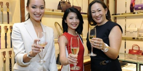 WTFSG_salvatore-ferragamo-vara-varina-made-to-order-launch_Hanli-Hoefer_Jeanette-Aw_Mika-Bailey (1)
