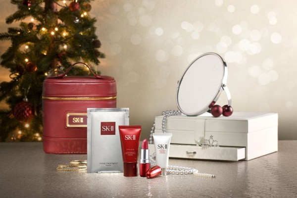 WTFSG_sk-ii-curated-bottles-and-coffrets-for-the-holidays_1