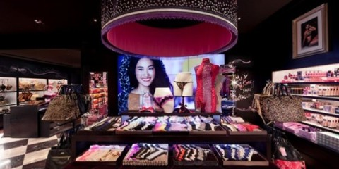 WTFSG_victorias-secret-opens-in-hong-kong_6