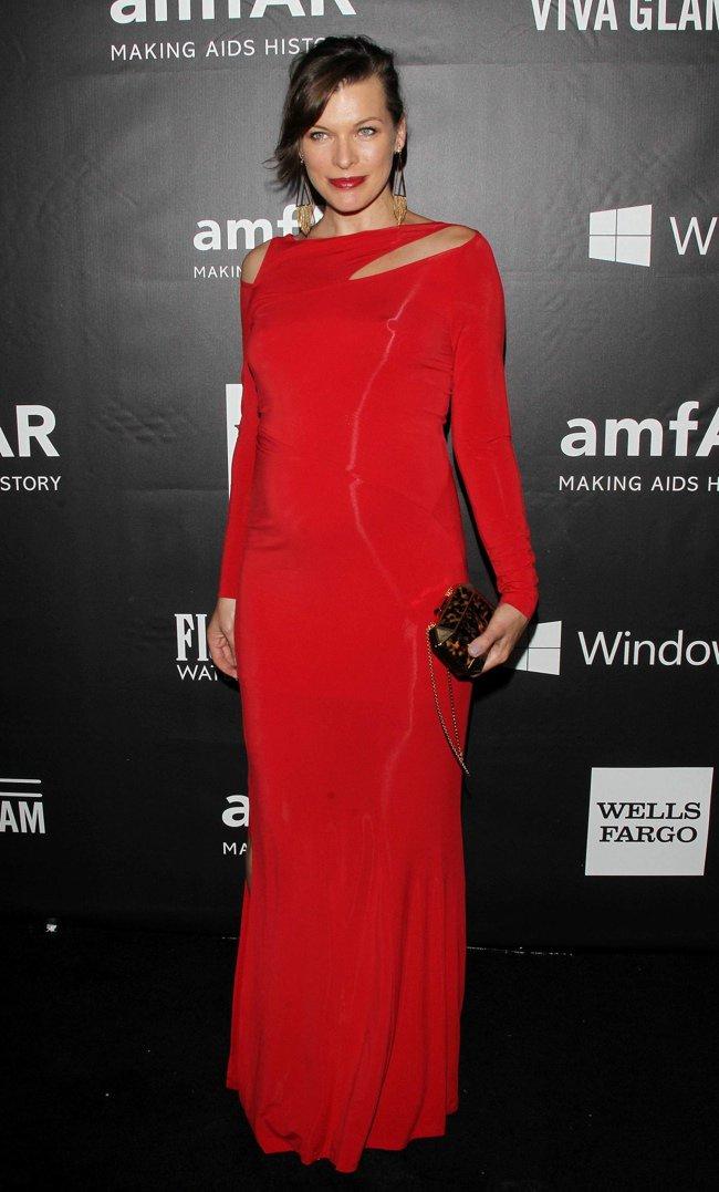 WTFSG-2014-amfAR-LA-Inspiration-Gala-red-carpet-milla-jovovich
