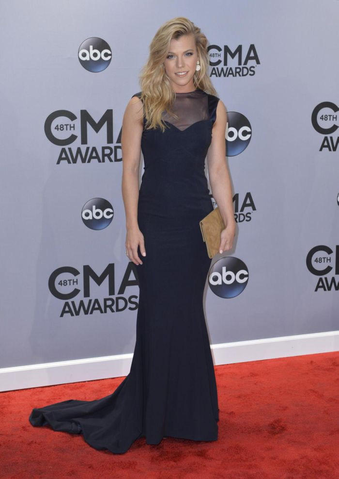 WTFSG-2014-cma-awards-kimberly-perry