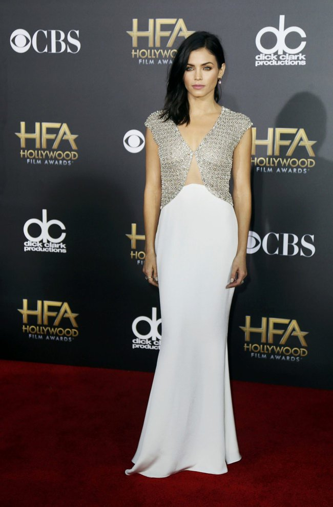 WTFSG-hollywood-film-awards-2014-red-carpet-jenna-dewan-reem-acra-dress