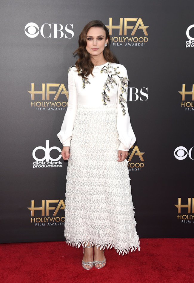 WTFSG-hollywood-film-awards-2014-red-carpet-keira-knightley-giambattista-valli-dress