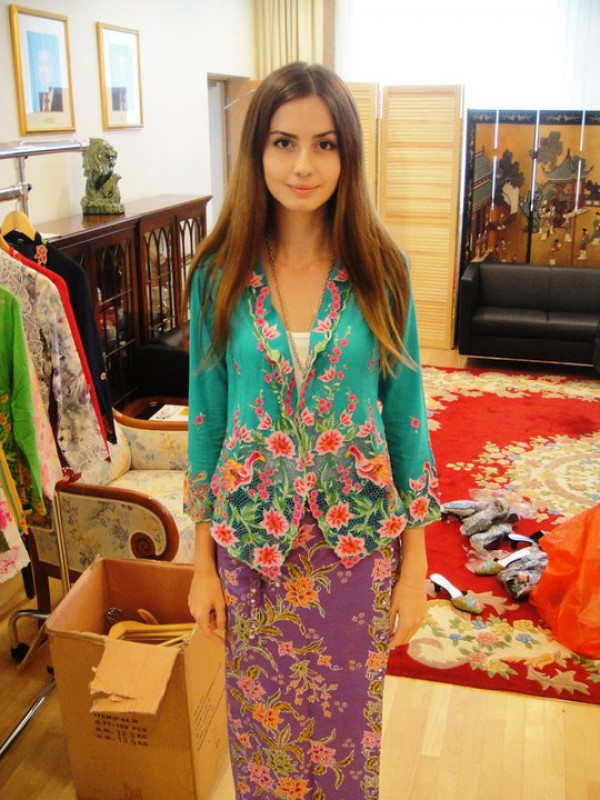 WTFSG_Peranakan-traditional-dress_Nonya-Kebaya