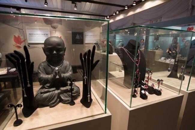 WTFSG_Singapore-JewelFest-2014_Schreiner-Fine-Jewellery-Booth