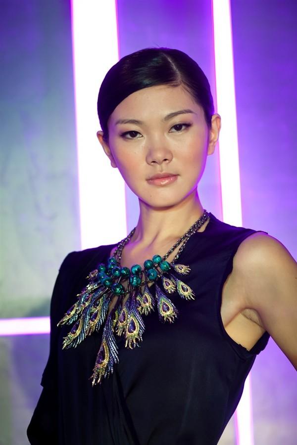 WTFSG_chow-tai-fook-danseuse-de-ballet_Earth_Universe