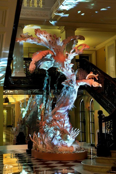 WTFSG_claridges-christmas-tree-dior-galliano_1
