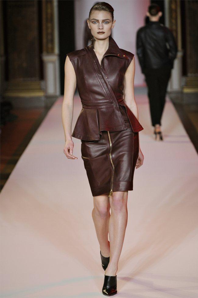WTFSG_hakaan-fall-2012-paris-fashion-week_Constance-Jablonski