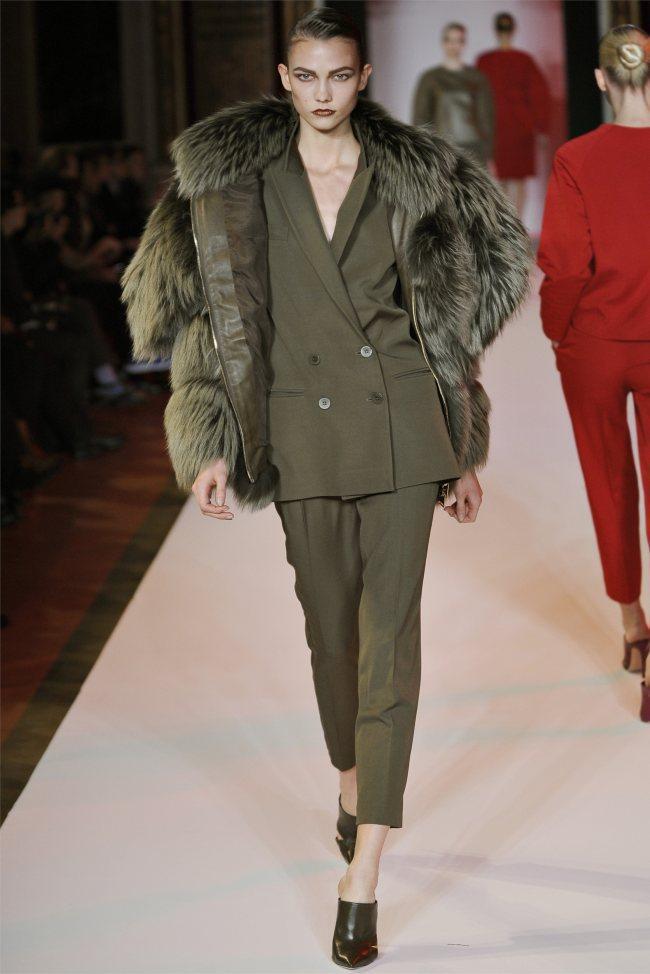 WTFSG_hakaan-fall-2012-paris-fashion-week_Karlie-Kloss