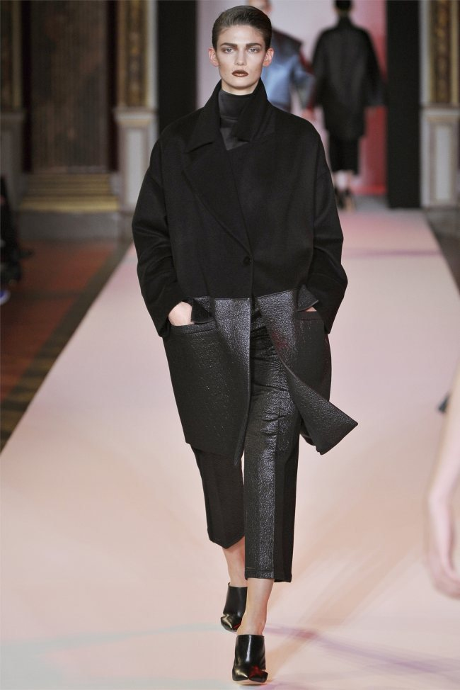WTFSG_hakaan-fall-2012-paris-fashion-week_Kendra-Spears