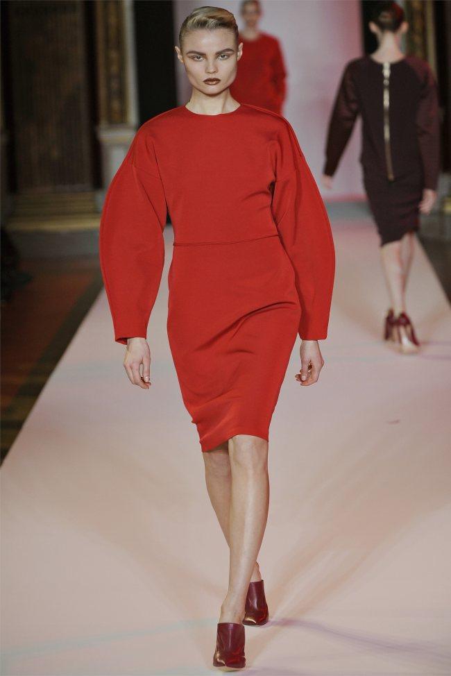 WTFSG_hakaan-fall-2012-paris-fashion-week_Magdalena-Frackowiak