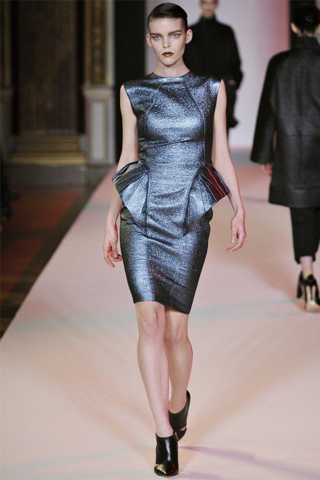 WTFSG_hakaan-fall-2012-paris-fashion-week_Meghan-Collison