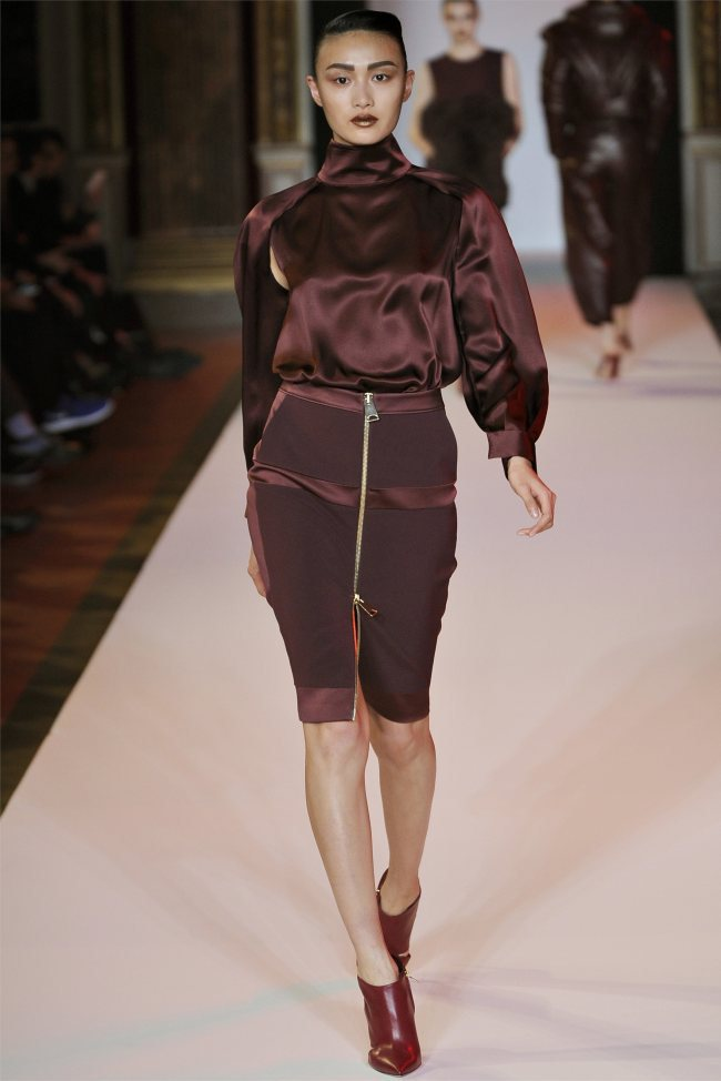 WTFSG_hakaan-fall-2012-paris-fashion-week_Shu-Pei