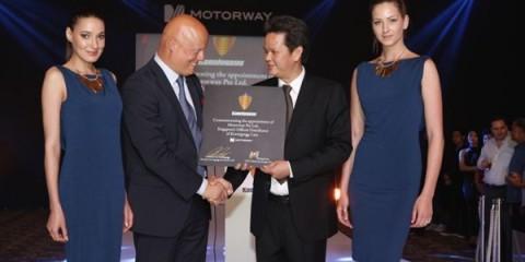 WTFSG_koenigsegg-agera-s-launch-in-singapore_Christian-von-Koenigsegg_Michael-Lim