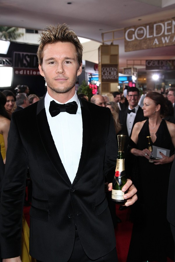 WTFSG_moet-chandon-toast-for-a-cause-celebrities_Ryan-Kwanten