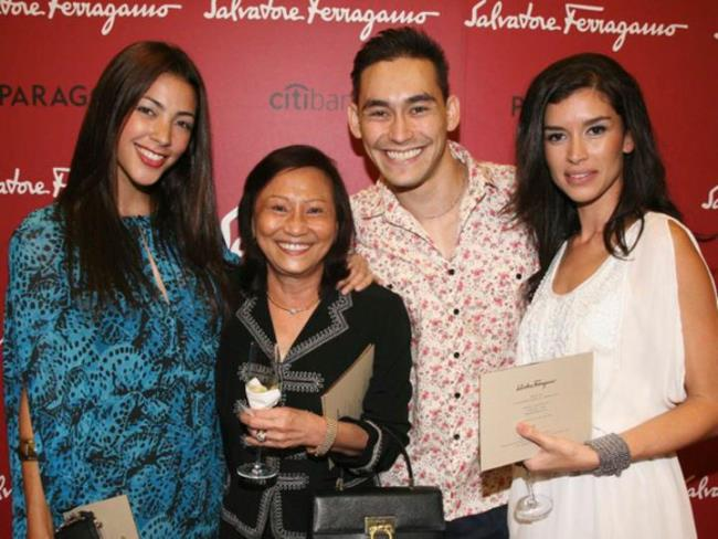 WTFSG_salvatore-ferragamo-ss-2011-launch-singapore_Tara-Rushton_Paul-Foster
