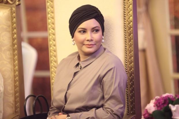 WTFSG_ceres-calvin-thoo-lebaran-2014-fashion-show_HRH-Sultanah-Nur-Zahirah