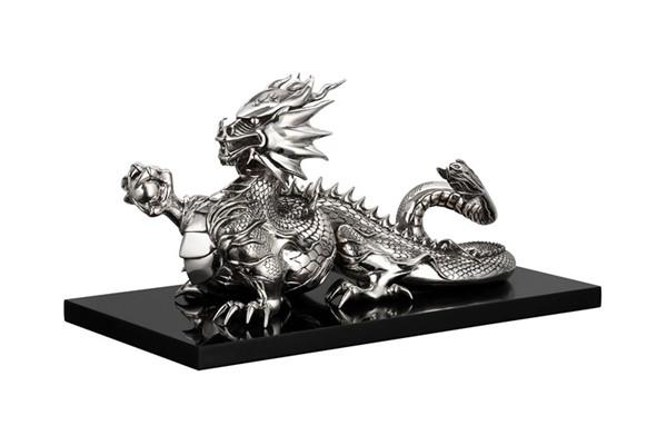 WTFSG_christofle-haute-orfvrerie-exhibit_dragon-by-thierry-lebon