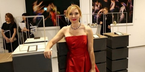 WTFSG_damiani-exhibits-18-diamonds-international-awards-pieces-london_Silvia