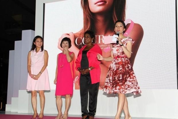 WTFSG_estee-lauder-companies-pinks-up-marina-bay-sands_1